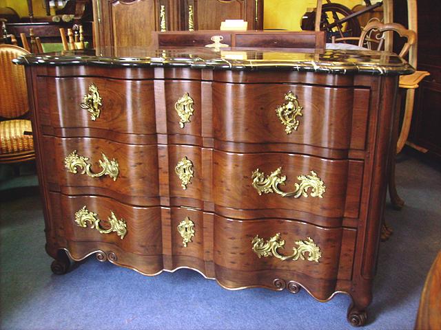 commode restauration ebniste d 39 art restaurateur de meuble et de commode commode ancienne. Black Bedroom Furniture Sets. Home Design Ideas